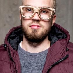 Alexander Axthelm Stylist: Ina Voigt Visagist: Rosetta Sosto Costume Designer: Sinn - Leffers