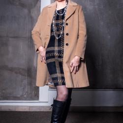Katja Graf Stylist: Ina Voigt / Nicole Kowalski Visagist: Melissa Frehsee Costume Designer: Wolff 1782 Schmuck: Charlotte Ehringer - Schwarz 1876
