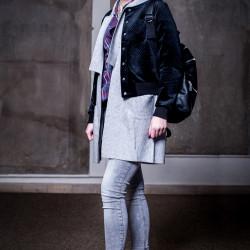 Lea Bleiker Stylist: Aleyna Ünal Visagist: Vivian Solman Costume Designer: Sinn - Leffers Schmuck: Charlotte Ehringer - Schwarz 1876